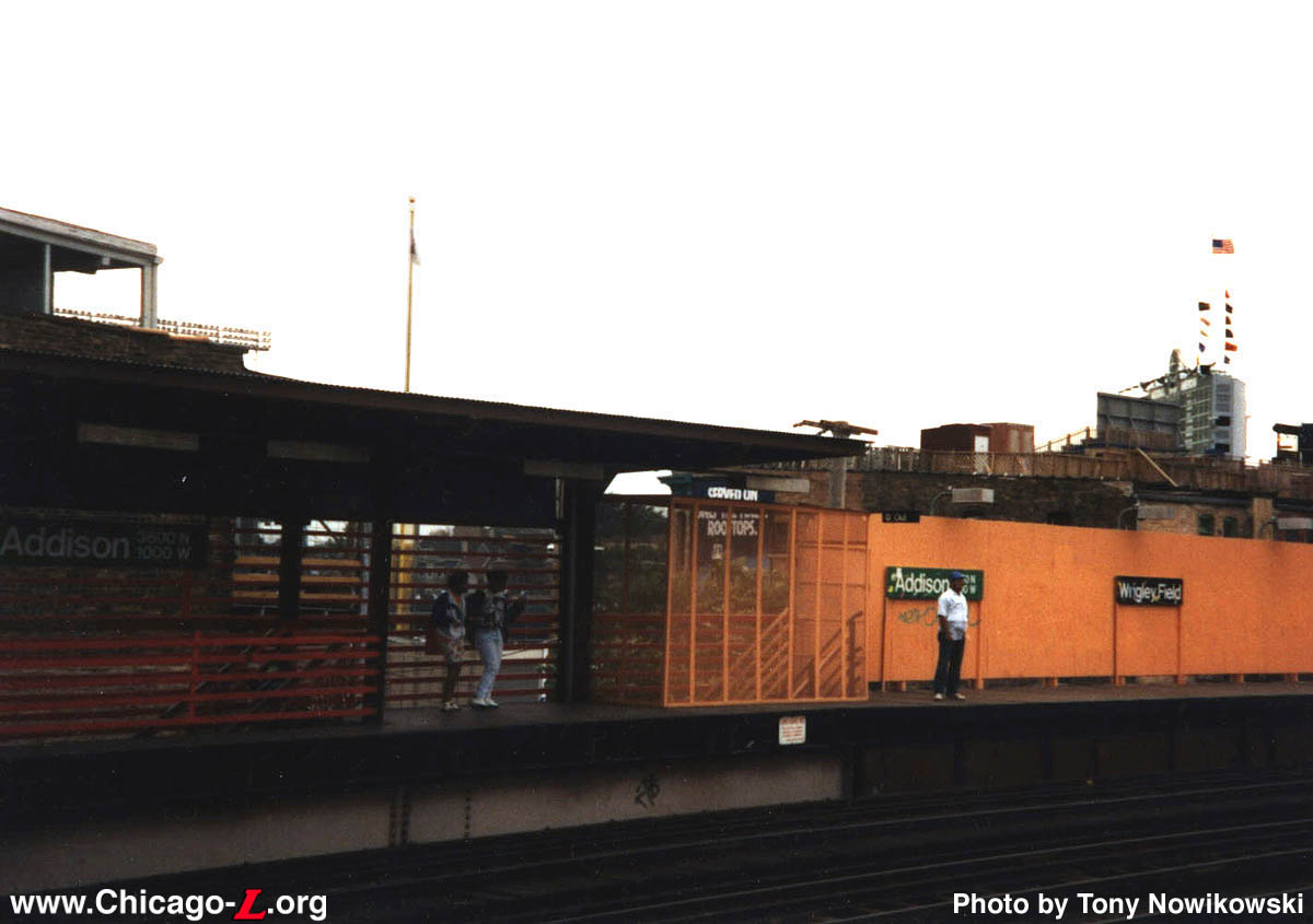 ... Elevated Local Station, Similar To Diversey Or Armitage, But Over The  Years Was Heavily Modified. In Large Part, The Presence Of Wrigley Field ...