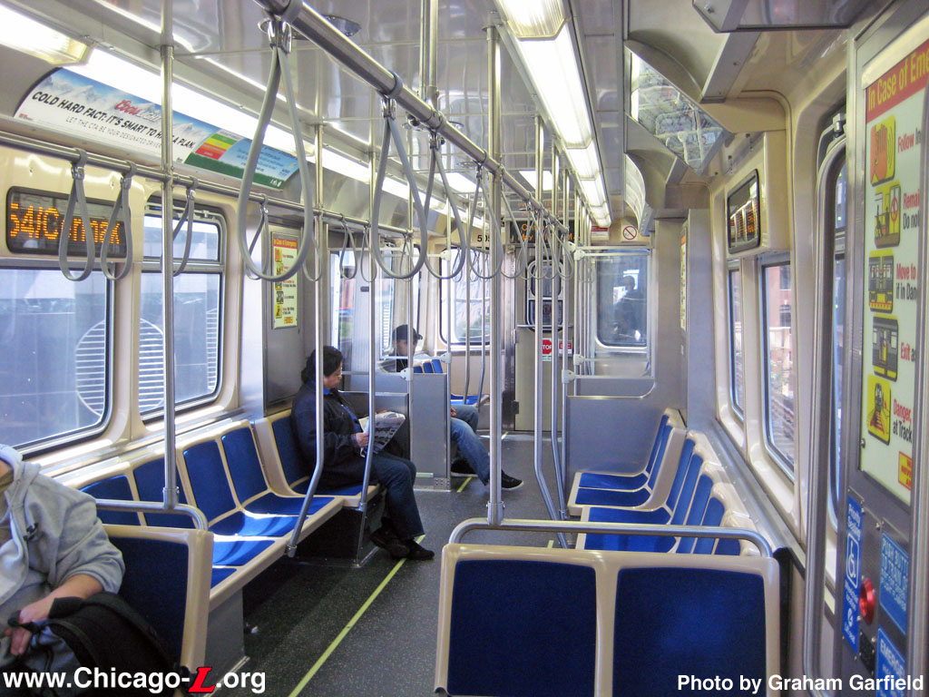 cta heard your feedback new 7000 series cars won 39 t be all center facing seats chicago. Black Bedroom Furniture Sets. Home Design Ideas